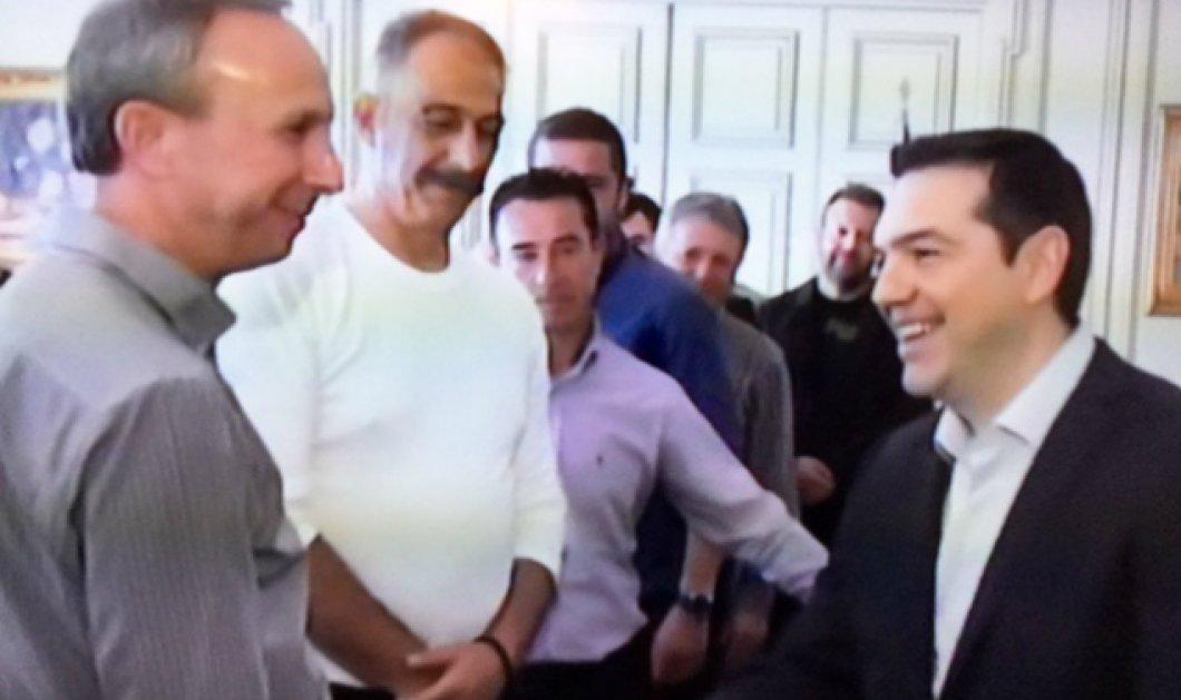 Καρέ - καρέ τα χαμόγελα αγροτών - Τσίπρα μέσα στο Μαξίμου - Κυρίως Φωτογραφία - Gallery - Video