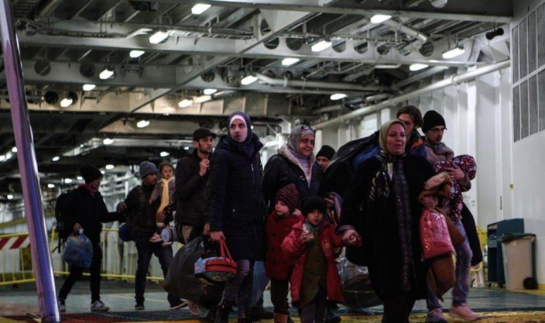 Το αδιαχώρητο και στο λιμάνι του Πειραιά - 1.134 πρόσφυγες θα περιμένουν εγκλωβισμένοι - ΒΙΝΤΕΟ - Κυρίως Φωτογραφία - Gallery - Video
