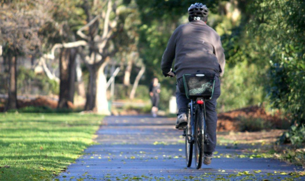 Πάμπτωχος Τρικαλινός έφαγε κλήση 200 ευρώ γιατί... πήγαινε με ποδήλατο στην Αθήνα - Φωτό & Βίντεο - Κυρίως Φωτογραφία - Gallery - Video