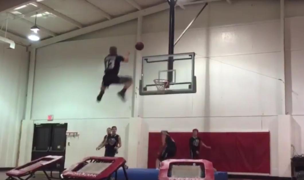 Βίντεο: Θεαματικές φιγούρες & καρφώματα σε γήπεδο μπάσκετ με... απρόσμενη κατάληξη - Κυρίως Φωτογραφία - Gallery - Video