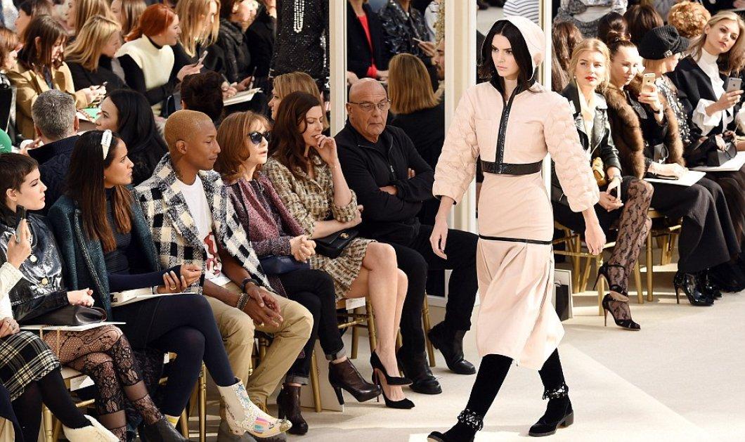 Οι νέες θεές του μόντελινγκ Kendal Jenner - Gigi Hadid στην πασαρέλα της Chanel δια χειρός του μάγου Lagerfeld  - Κυρίως Φωτογραφία - Gallery - Video