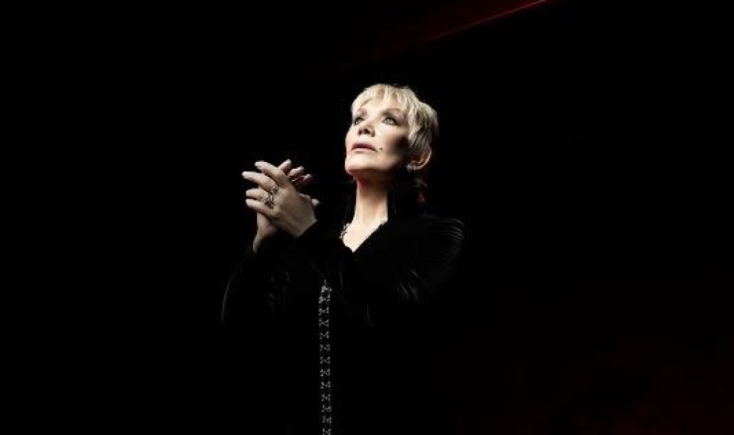 Η Μαρινέλλα ερμηνεύει τις μεγάλες της επιτυχίες με 60μελη χορωδία στο θέατρο Παλλάς  - Κυρίως Φωτογραφία - Gallery - Video