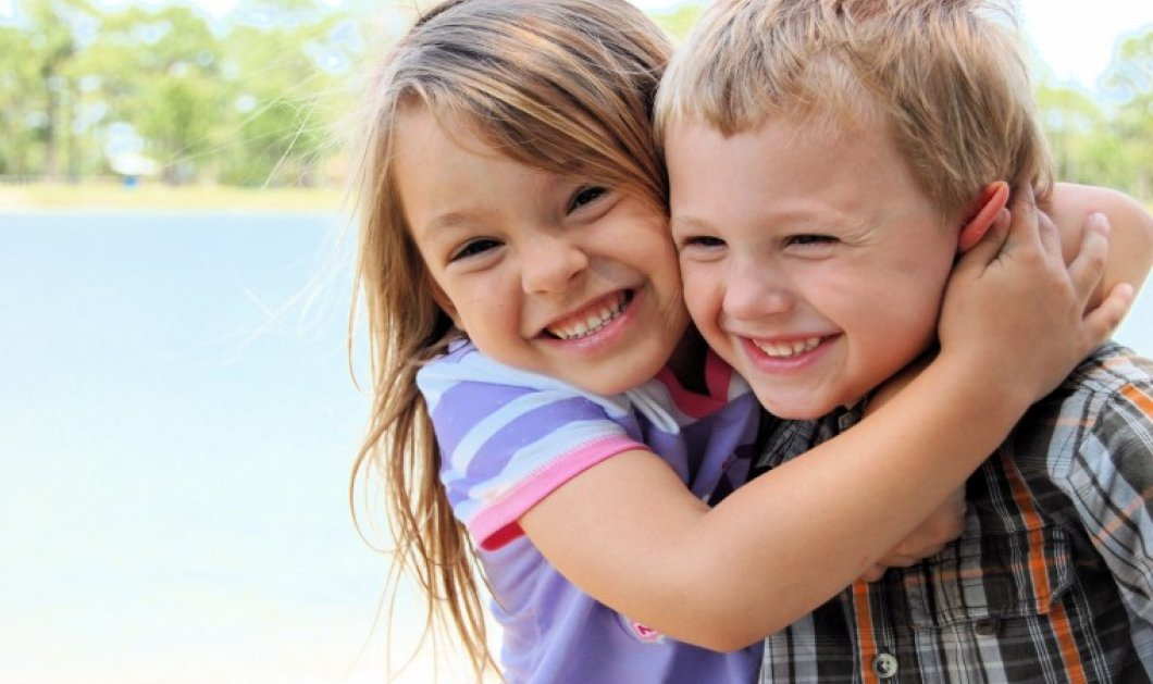 Μάθετε πώς να διδάξτετε τα παιδιά σας να φροντίζουν τους γύρω τους  - Κυρίως Φωτογραφία - Gallery - Video