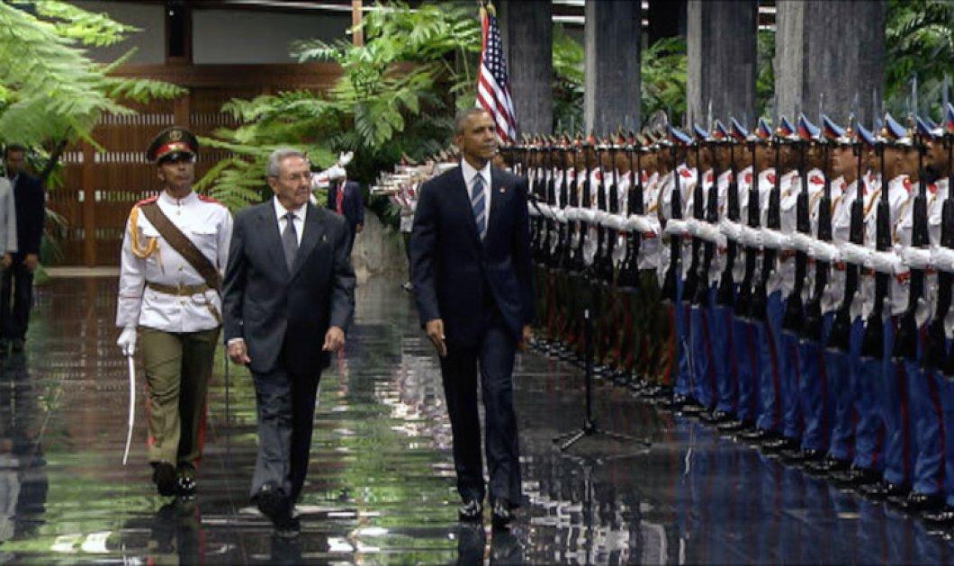 Όλες οι φωτό από την ιστορική συνάντηση Μπαράκ Ομπάμα & Ραούλ Κάστρο  - Κυρίως Φωτογραφία - Gallery - Video