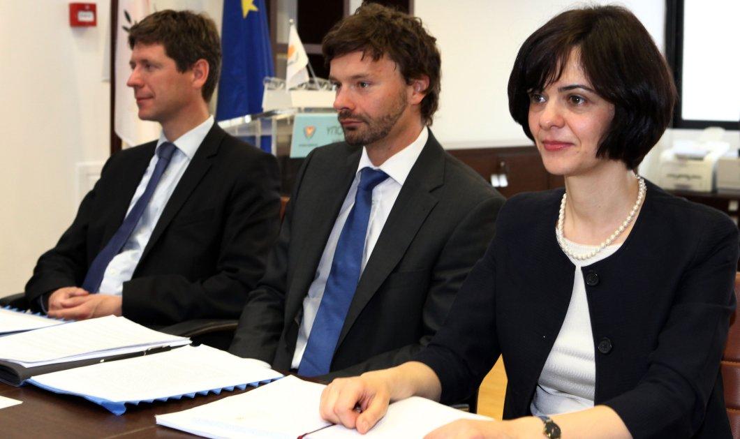 Βόμβα των δανειστών για αφορολόγητο 7.000 ευρώ - Σκληρά παζάρια για τους φόρους - Κυρίως Φωτογραφία - Gallery - Video