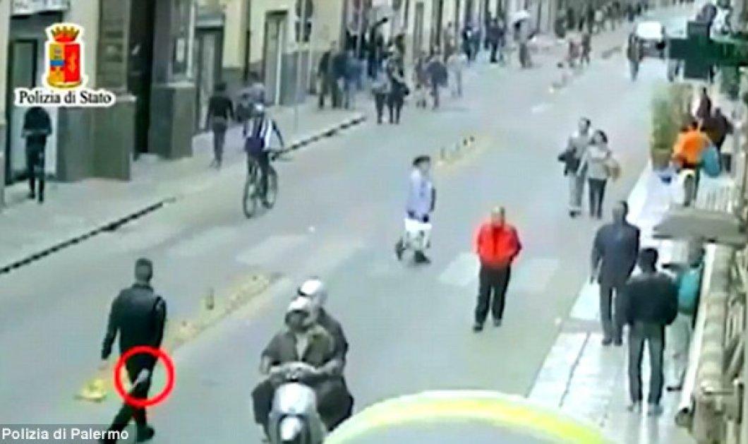 Η Κόζα Νόστρα κήρυξε τον «πόλεμο» στους πρόσφυγες – Συγκλονιστικό βίντεο με πυροβολισμούς εναντίον μεταναστών - Κυρίως Φωτογραφία - Gallery - Video