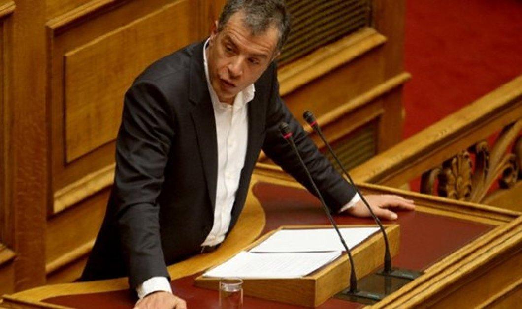 Σταύρος Θεοδωράκης: Προστατεύετε βουλευτές & αυτοδιοικητικούς -Τα χειρότερα είναι μπροστά - Κυρίως Φωτογραφία - Gallery - Video