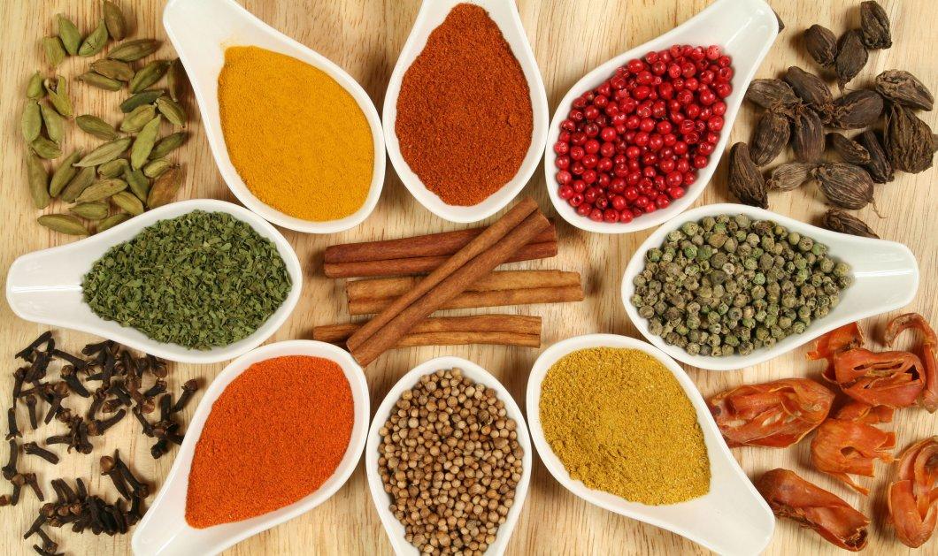Γιατί πρέπει να μαγειρεύουμε με πολλά μπαχαρικά; Ποια είναι τα οφέλη τους στην υγεία μας;   - Κυρίως Φωτογραφία - Gallery - Video