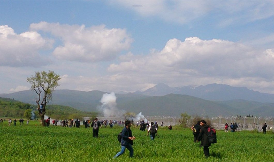 Χάος στην Ειδομένη - Προσπάθησαν να ρίξουν τον φράχτη, επιτέθηκαν οι Σκοπιανοί αστυνομικοί - Εκτός ελέγχου η κατάσταση - Κυρίως Φωτογραφία - Gallery - Video