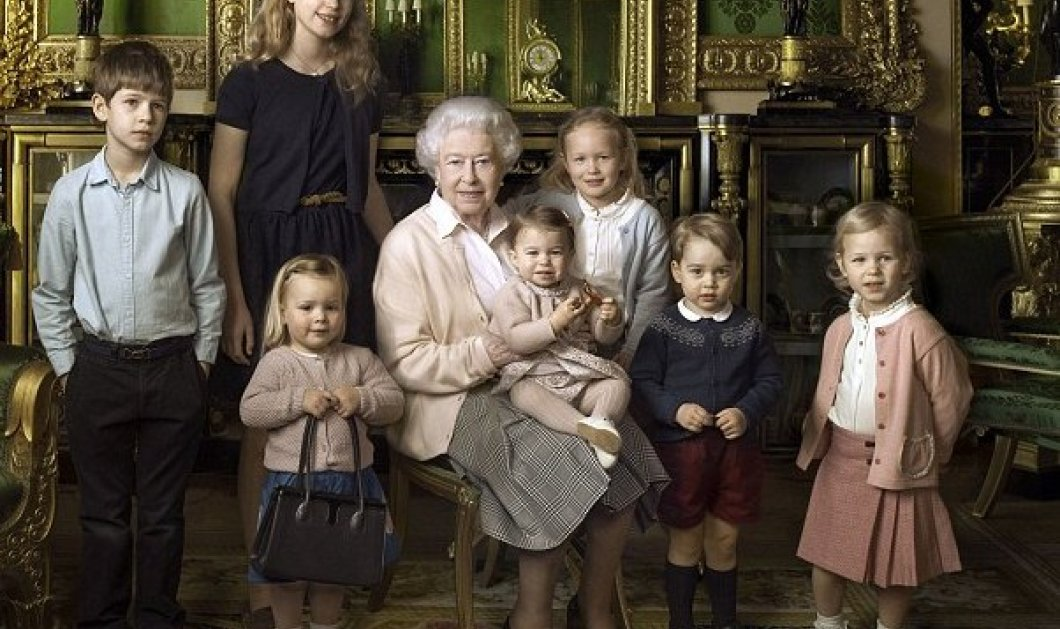 90 χρονών σήμερα η Βασίλισσα Ελισάβετ: 3 εκπληκτικά πορτραίτα με εγγόνια & δισέγγονα  - Κυρίως Φωτογραφία - Gallery - Video