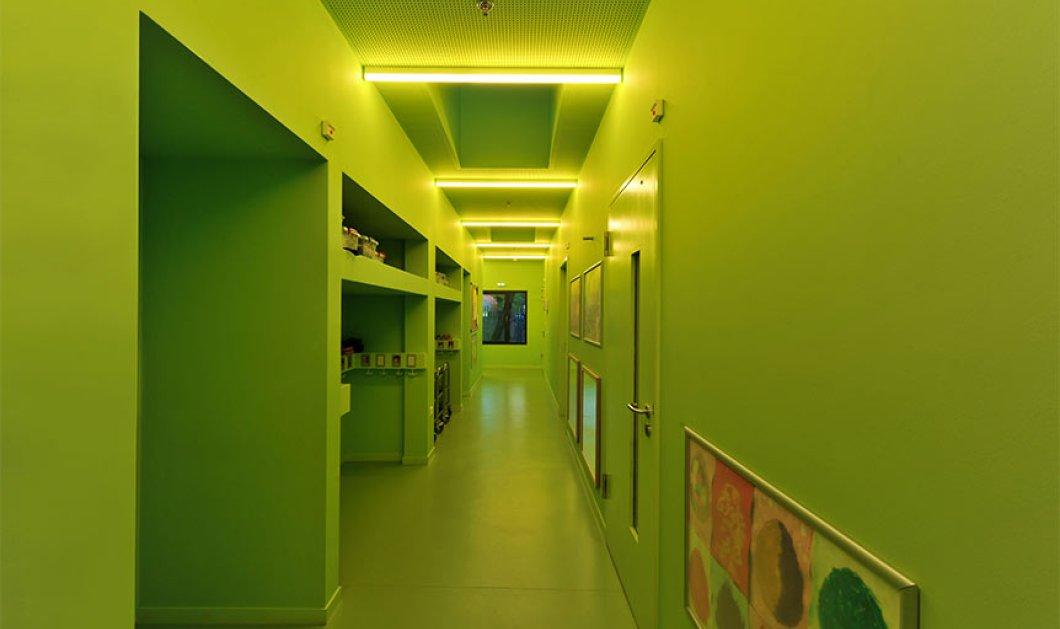 Αυτό είναι το Νηπιαγωγείο στο Μαρούσι που πήρε Διεθνές βραβείο αρχιτεκτονικής! Υπέροχο πράσινο χρώμα - Κυρίως Φωτογραφία - Gallery - Video