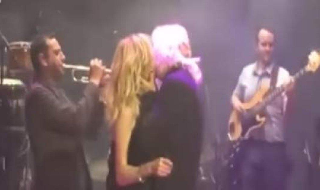 Πάλι μαζί; Φιλιά Βίσση- Καρβέλα σαν να μην πέρασε μια μέρα απ' τη στιγμή του χωρισμού... [βίντεο]   - Κυρίως Φωτογραφία - Gallery - Video