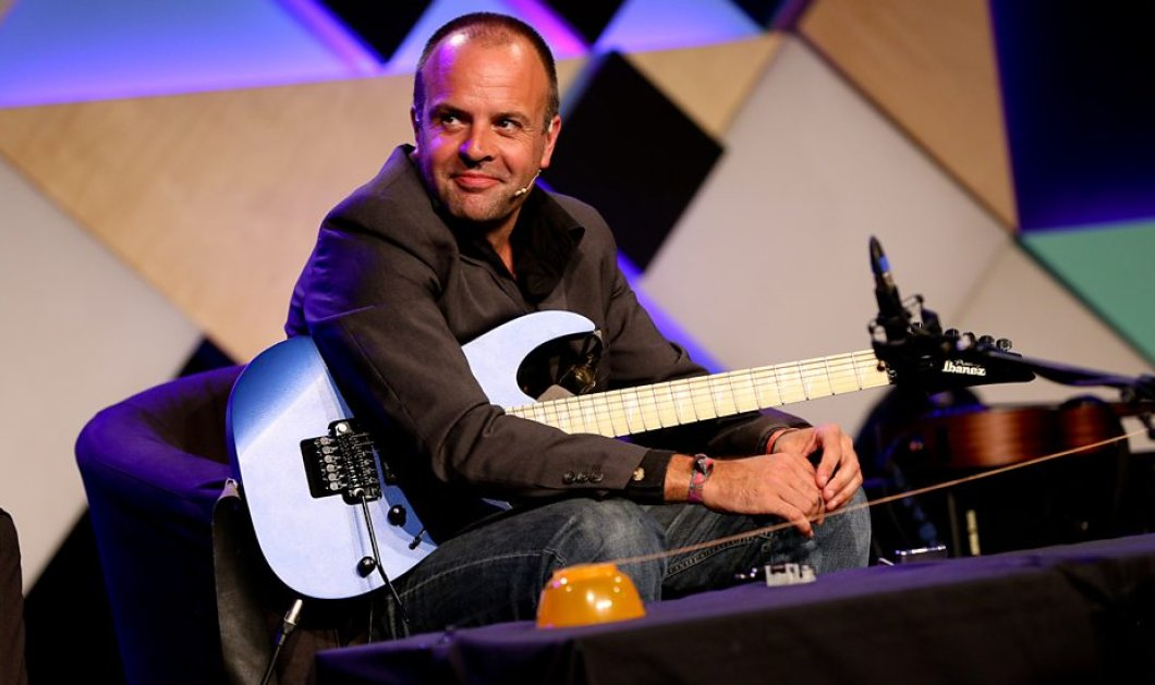 The Hub Events: Ο rock φυσικός, Dr Mark Lewney σε μια διάλεξη-performance με θέμα «Rock guitar in 11 dimensions» - Κυρίως Φωτογραφία - Gallery - Video