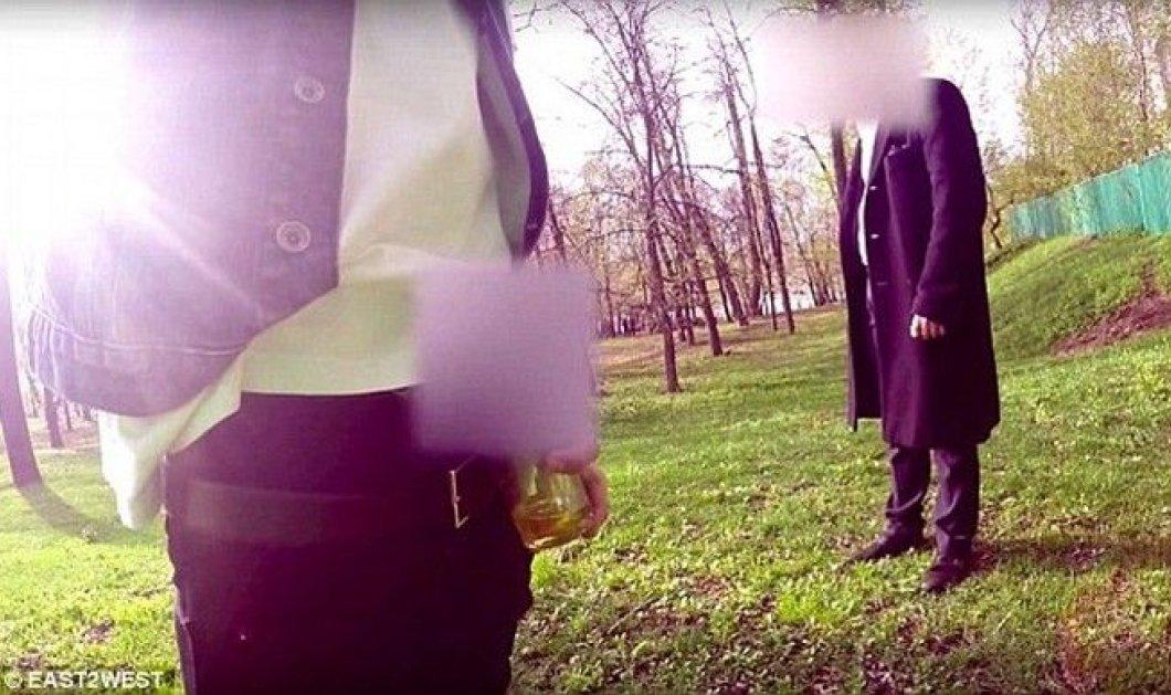 Αρρωστημένο μυαλό! Πάμπλουτος Ρώσος πληρώνει ανθρώπους για να ξεφτιλίζονται μπροστά του - Κυρίως Φωτογραφία - Gallery - Video