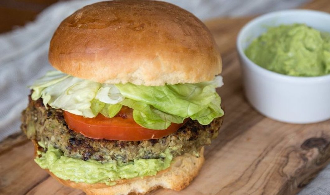 Ο Άκης μπαίνει στην κουζίνα & μαγεύει: Super Veggie Burgers που θα λατρέψετε - Κυρίως Φωτογραφία - Gallery - Video