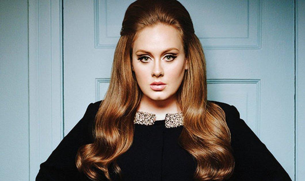 Adele: Με floral φόρεμα και μαύρο φόντο στο κλιπ για το νέο της τραγούδι Send My Love - Απολαύστε το - Κυρίως Φωτογραφία - Gallery - Video