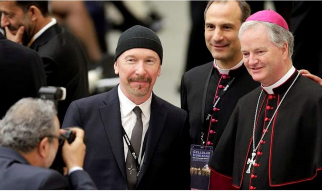 """Ο """"Edge"""" των θρυλικών U2 σε μια μοναδική εμφάνιση στην ιστορική Καπέλα Σιξτίνα (φωτό, βίντεο) - Κυρίως Φωτογραφία - Gallery - Video"""