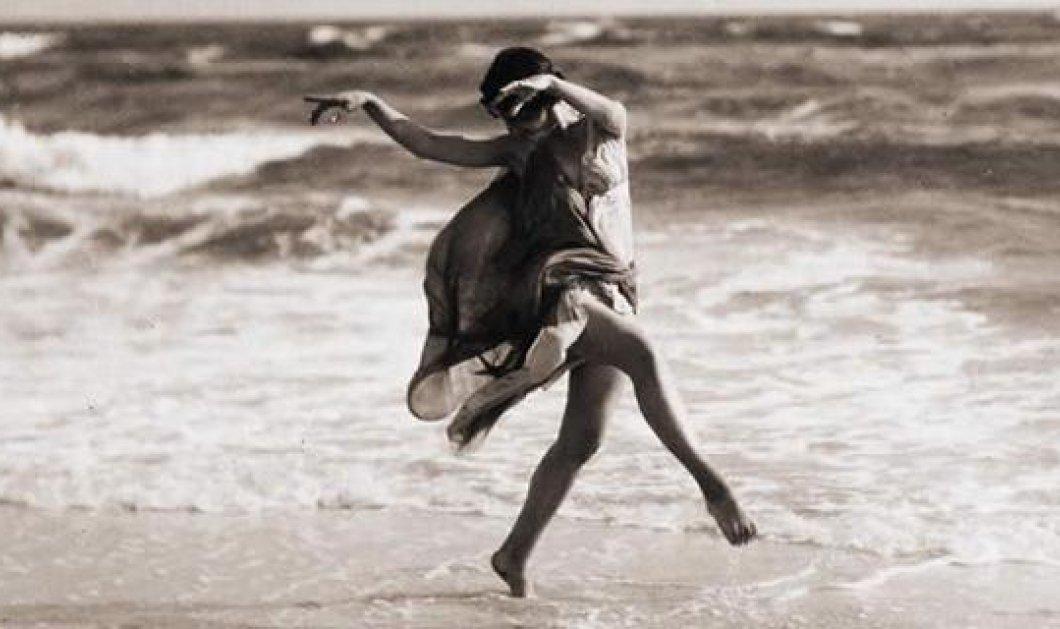 Ισιδώρα Ντάνκαν: Η «ξυπόλητη» κορυφαία χορεύτρια λάτρεψε την Ελλάδα, δοξάστηκε, έχασε & τα 3 παιδιά της &  πνίγηκε από το φουλάρι της  - Κυρίως Φωτογραφία - Gallery - Video