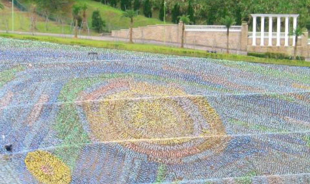Ένωσαν 4 εκατ. πλαστικά μπουκάλια και αναδημιούργησαν την «Έναστρη Νύχτα» του Βαν Γκογκ! - Κυρίως Φωτογραφία - Gallery - Video