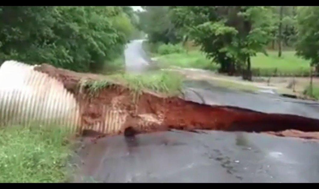 Βίντεο: Δεν πίστευε στα μάτια του - Ο δρόμος ξεκόλλησε την ώρα που οδηγούσε πάνω του - Κυρίως Φωτογραφία - Gallery - Video