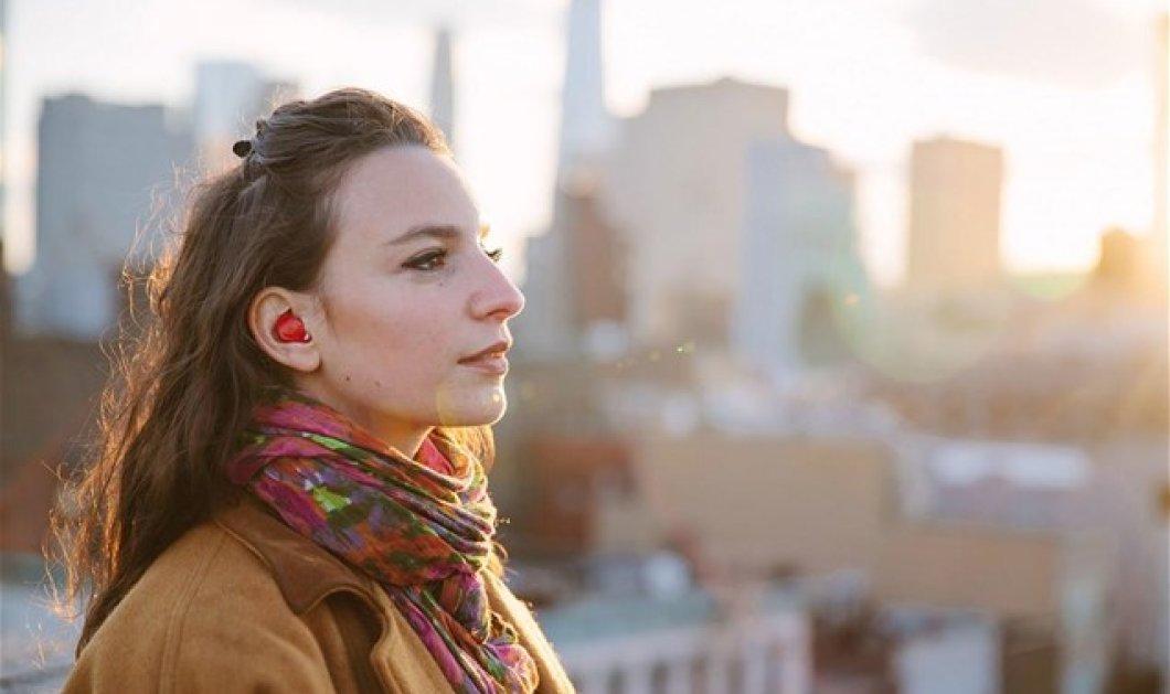 Επαναστατική εφεύρεση: Έφτιαξαν ακουστικά που μιλούν ξένες γλώσσες- Μιλάτε Ελληνικά & σας καταλαβαίνει ο Κινέζος!   - Κυρίως Φωτογραφία - Gallery - Video