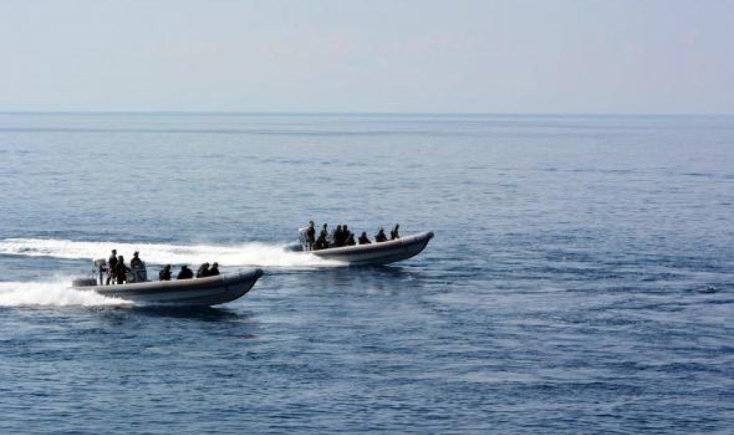 Μεγάλη επιχείρηση διάσωσης για εκατοντάδες μετανάστες ανοιχτά της Κρήτης - 3 οι νεκροί   - Κυρίως Φωτογραφία - Gallery - Video