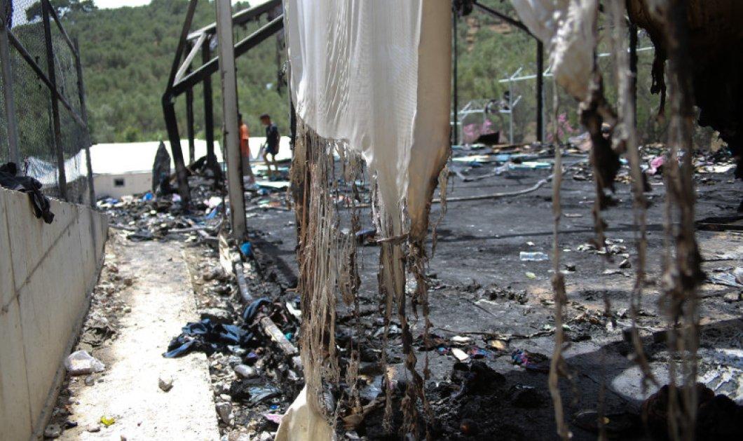 Σοκ video: Φωτιές, ξύλο και συμπλοκές στο κέντρο φιλοξενίας της Σάμου - Τουλάχιστον 15 τραυματίες    - Κυρίως Φωτογραφία - Gallery - Video
