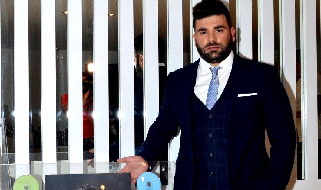 Παντελής Παντελίδης: Ποιοι θα παραλάβουν απόψε το βραβείο του τραγουδιστή στα MAD Awards; - Κυρίως Φωτογραφία - Gallery - Video