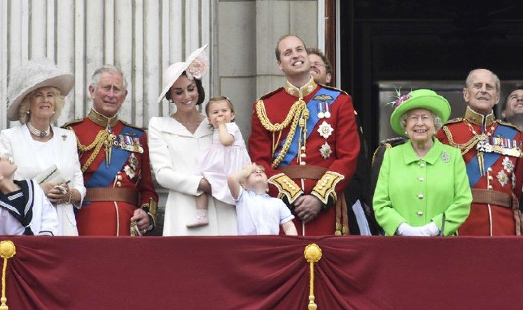 Φρενίτιδα στην Βρετανία με το ροζ - σφηγγοφολιά φουστανάκι της πριγκίπισσας Σαρλότ  - Κυρίως Φωτογραφία - Gallery - Video