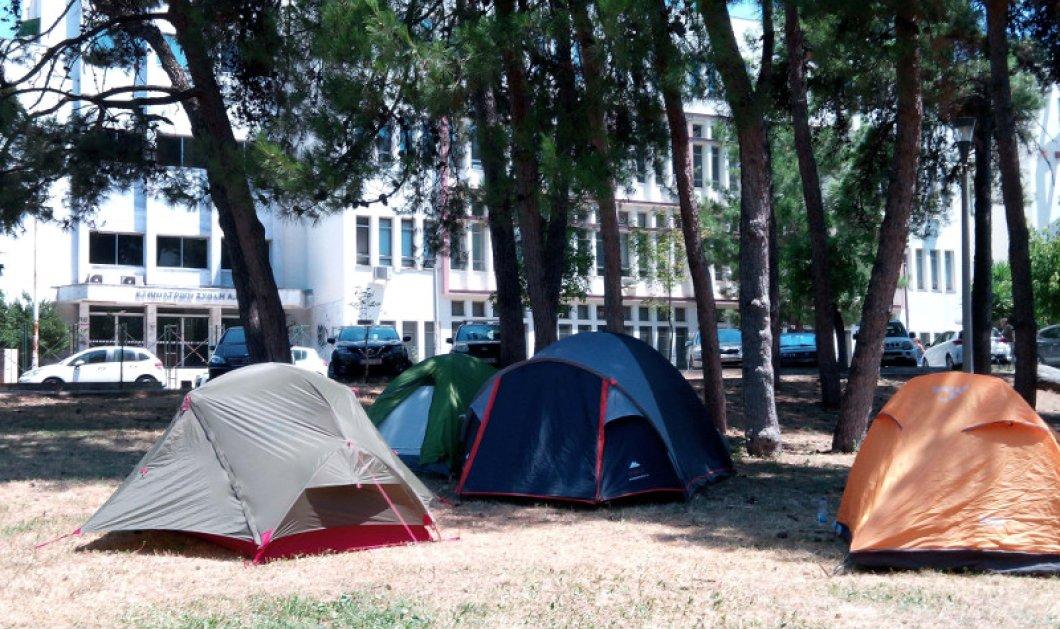 Να συλλαμβάνονται οι κατασκηνωτές στο Αριστοτέλειο Θεσσαλονίκης με εισαγγελική απόφαση: Καραβάνια κατασκηνωτών από το πρωί    - Κυρίως Φωτογραφία - Gallery - Video
