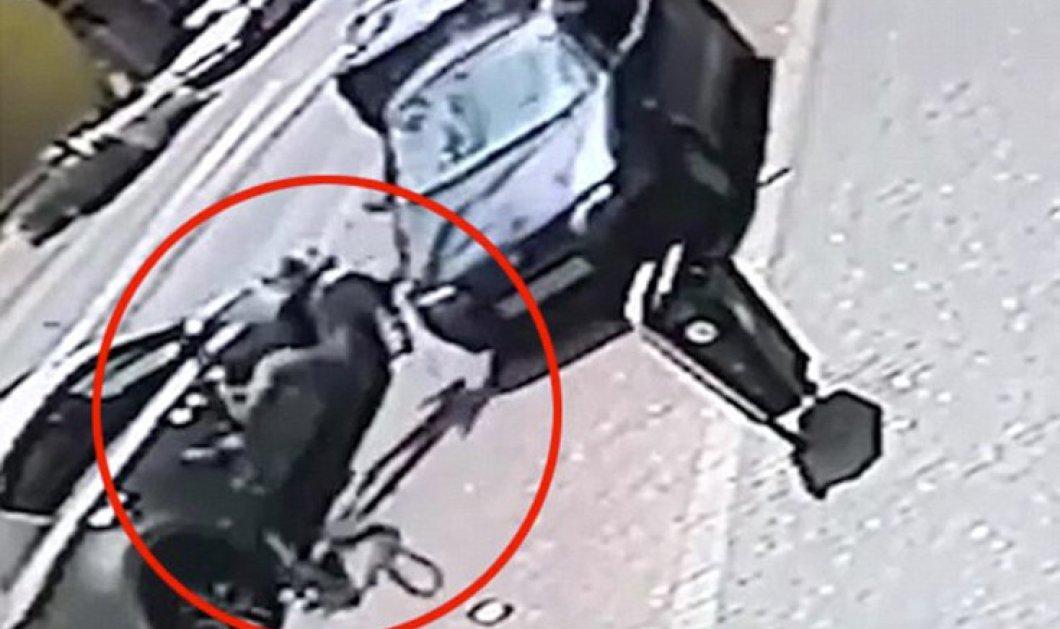 Σοκαριστικό βίντεο: Οδηγός ΙΧ παρασύρει επίτηδες ποδηλάτη γιατί είχαν προηγουμένως τσακωθεί    - Κυρίως Φωτογραφία - Gallery - Video