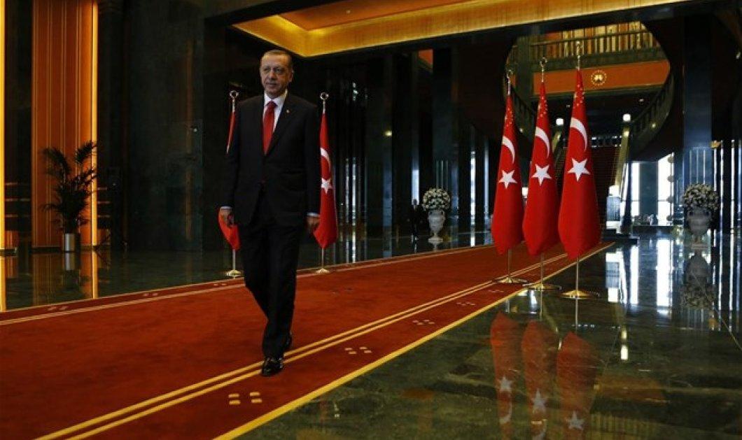 """Στο """"κόκκινο"""" οι σχέσεις του Ερντογάν  με την Ευρώπη: """"Απαράδεκτα τα μέτρα"""" λέει η Ε.Ε . - Κυρίως Φωτογραφία - Gallery - Video"""