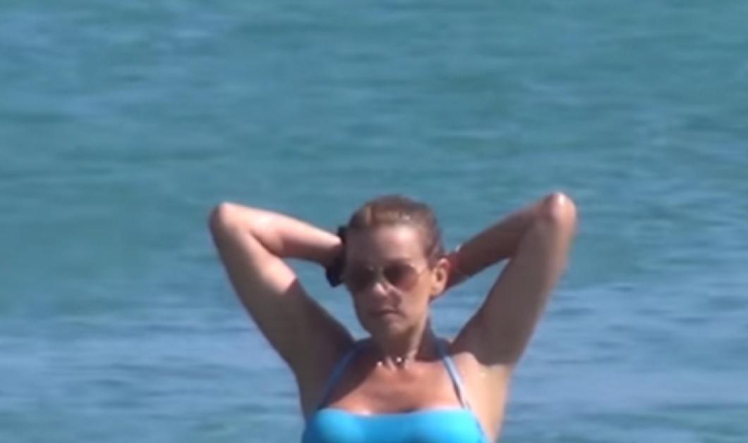 Βίντεο: Τα μπάνια του Άδωνι με την σούπερ γυμνασμένη Ευγενία Μανωλίδου στην Μύκονο    - Κυρίως Φωτογραφία - Gallery - Video