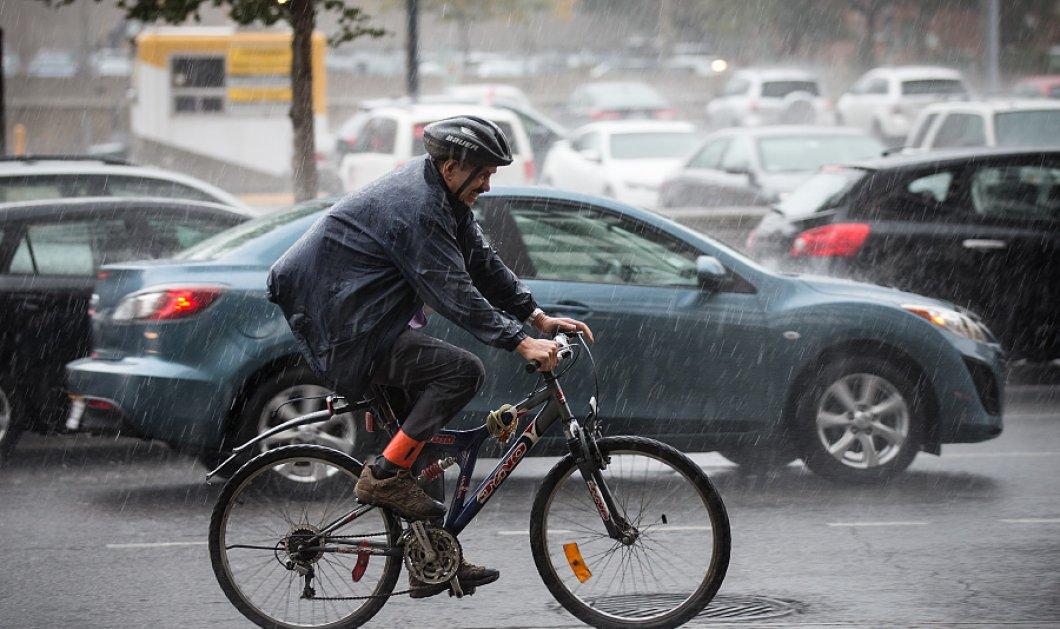 Δεν είναι πλάκα: Ποδηλάτης σώθηκε από τον κεραυνό χάρη στο... πέος του - Κυρίως Φωτογραφία - Gallery - Video