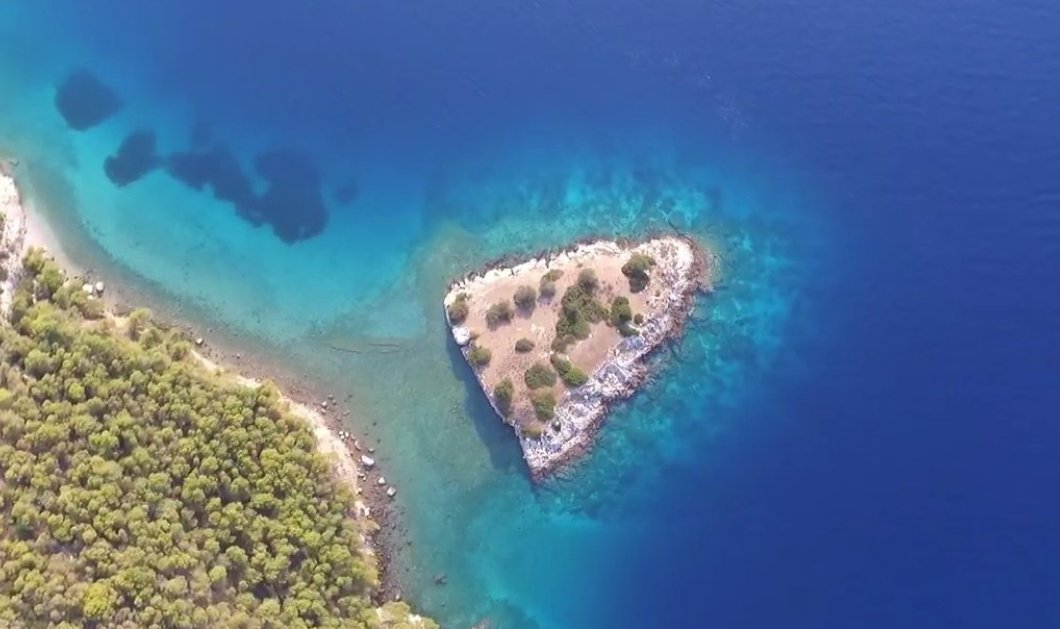 Vintage Story: Όταν το 1846 σε νησί του Σαρωνικού κατοικούσαν βρικόλακες - Πώς διελευκάνθηκε η μακάβρια υπόθεση  - Κυρίως Φωτογραφία - Gallery - Video