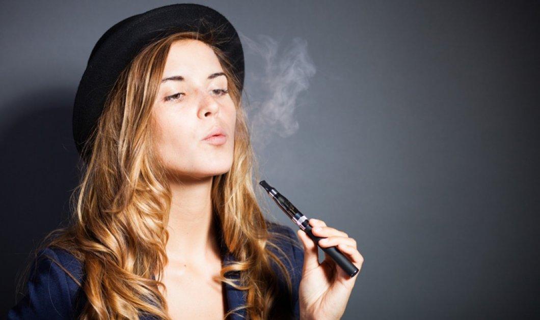 Απαγορεύεται και το ηλεκτρονικό τσιγάρο σε κλειστούς χώρους - Κυρίως Φωτογραφία - Gallery - Video