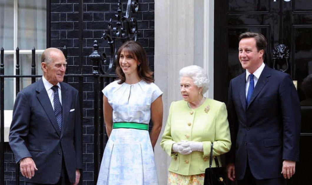 Καρέ -καρέ η θλιβερή αναχώρηση του Κάμερον αλλά και οι χαρούμενες στιγμές της πρωθυπουργίας του με Ομπάμα, βασίλισσα και παιδιά   - Κυρίως Φωτογραφία - Gallery - Video