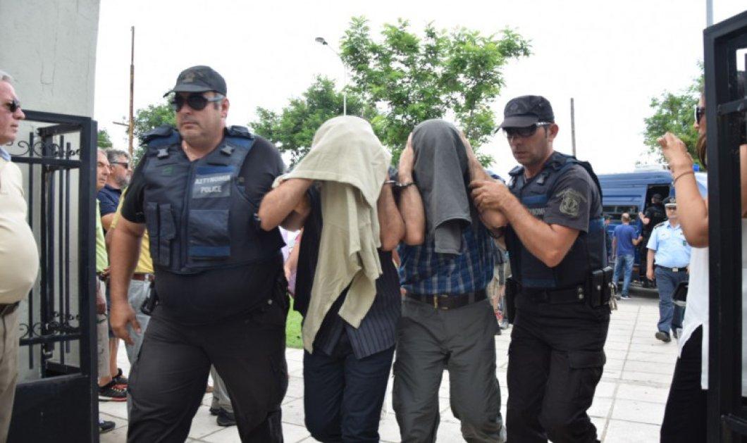"""Σοκάρουν οι καταθέσεις των """"8 Τούρκων στρατιωτικών"""": Αυτός ήταν ο λόγος που επιλέξαμε την Ελλάδα   - Κυρίως Φωτογραφία - Gallery - Video"""