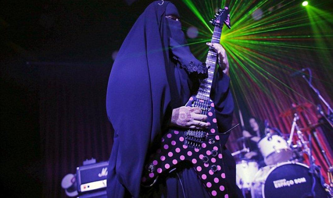 Βίντεο: Μία νεαρή μουσουλμάνα από τη Βραζιλία παίζει heavy metal με νικάμπ & τρελαίνει κόσμο  - Κυρίως Φωτογραφία - Gallery - Video