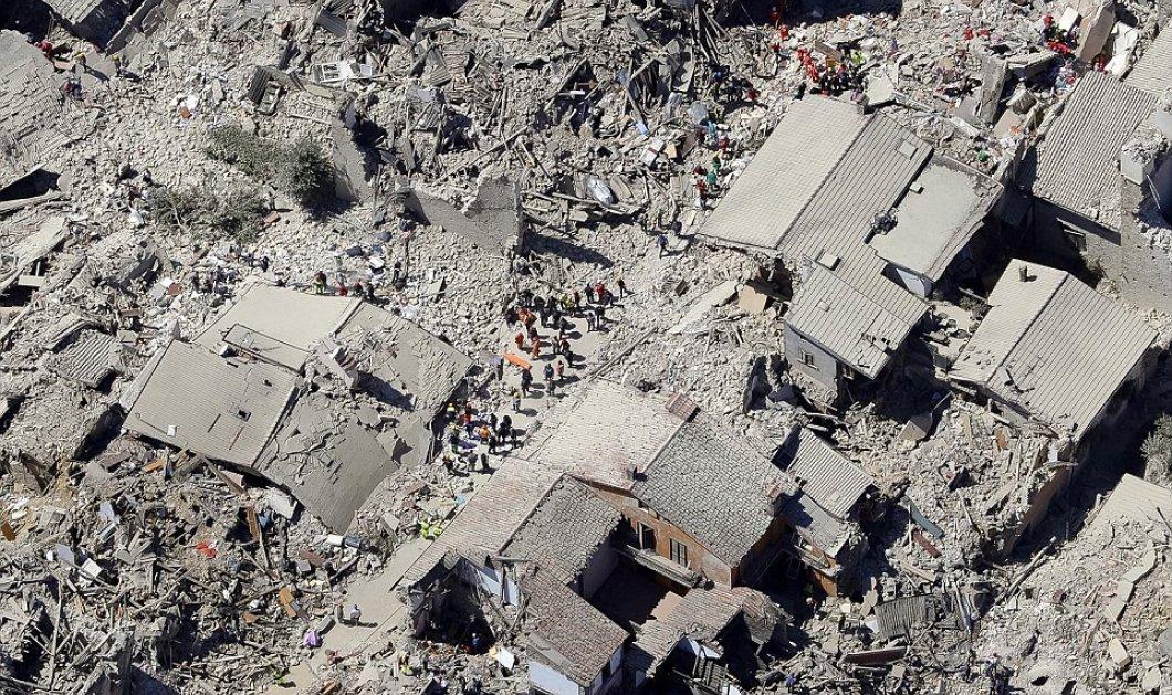 """""""Η κόλαση του Δάντη"""": 120 νεκροί & μια πόλη - φάντασμα, με ερείπια παντού μετά το χτύπημα του σεισμού    - Κυρίως Φωτογραφία - Gallery - Video"""