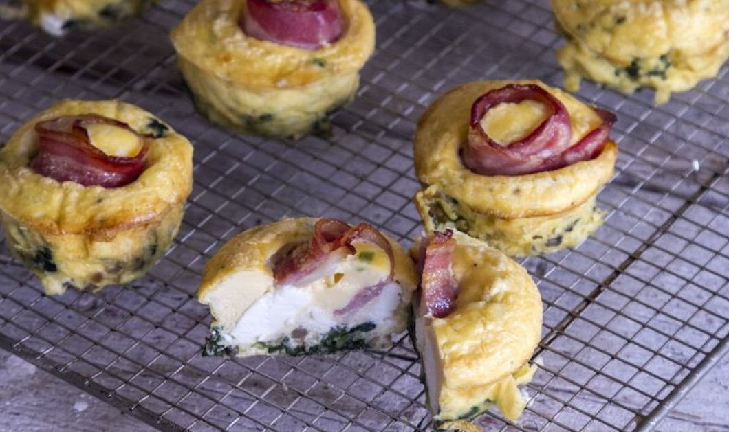 O Άκης μας ετοιμάζει brunch ιδανικό για Παρασκευή: Muffins με σπανάκι και μπέικον - Κυρίως Φωτογραφία - Gallery - Video