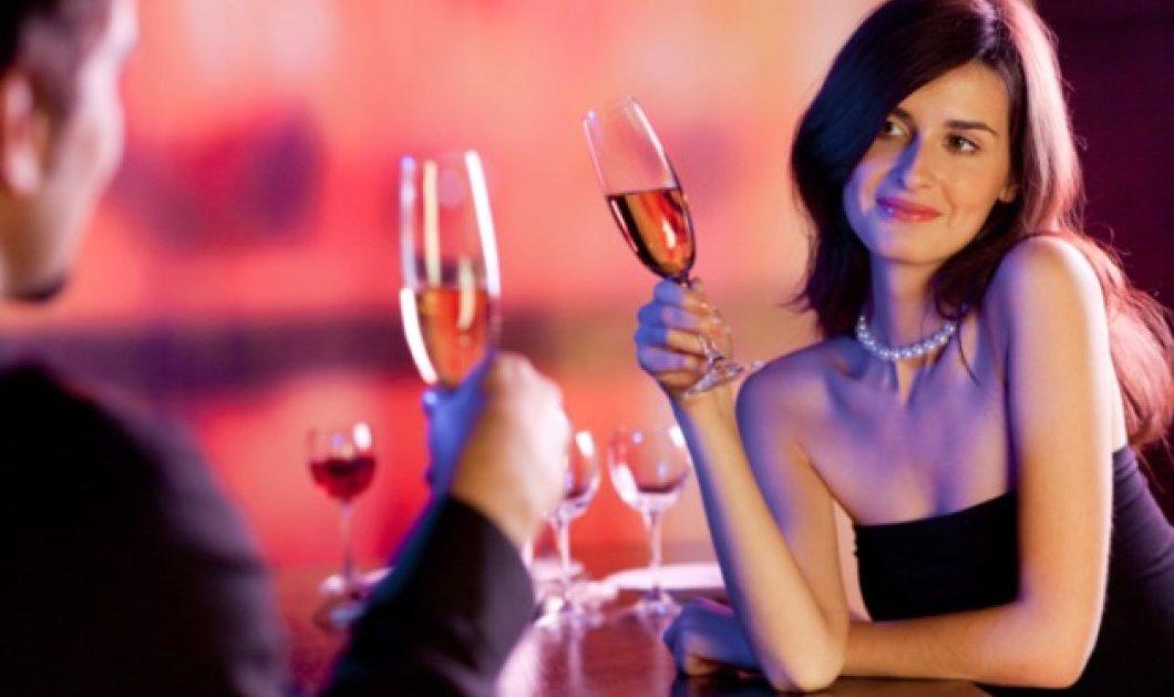 To μυστικό του επιτυχημένου γάμου κρύβεται σε ένα ποτήρι κρασί ή βότκα - Τι έδειξε έρευνα - Κυρίως Φωτογραφία - Gallery - Video
