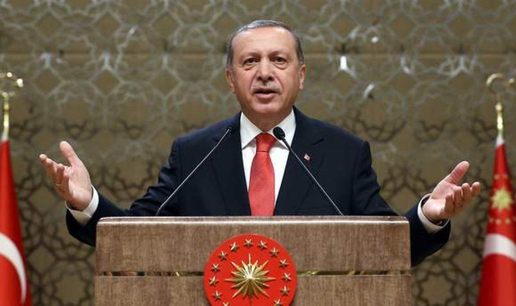 Συνεχίζει ακάθεκτος ο Ερντογάν: Επιδρομή της αστυνομίας σε 44 εταιρείες - Πάνω από 35.000 συλλήψεις για το πραξικόπημα - Κυρίως Φωτογραφία - Gallery - Video