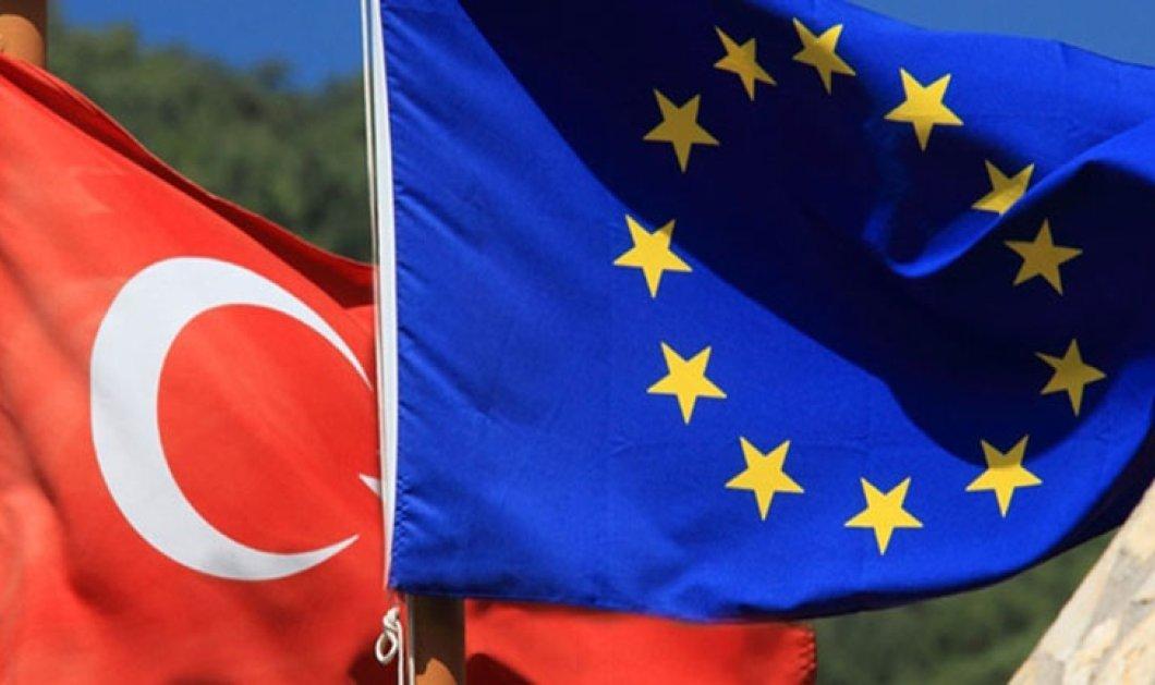 Κομισιόν: Προϋπόθεση για την απελευθέρωση της βίζας τα συμφωνηθέντα 72 κριτήρια με την Τουρκία - Κυρίως Φωτογραφία - Gallery - Video