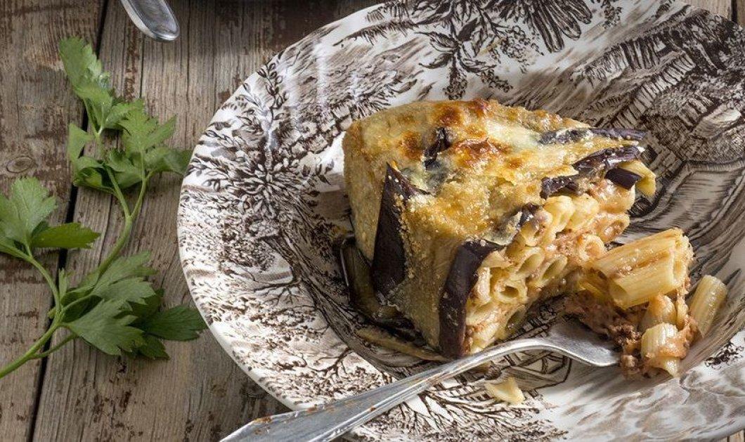 O Άκης μπαίνει στην κουζίνα μας με φανταστική μακαρονόπιτα με μελιτζάνα - Κυρίως Φωτογραφία - Gallery - Video