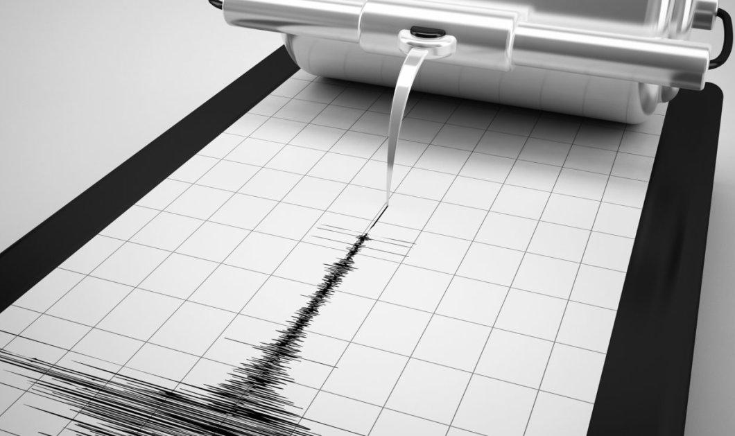 Ισχυρότατος σεισμός στο Νότιο Ατλαντικό έντασης 7,4 Ρίχτερ  - Κυρίως Φωτογραφία - Gallery - Video