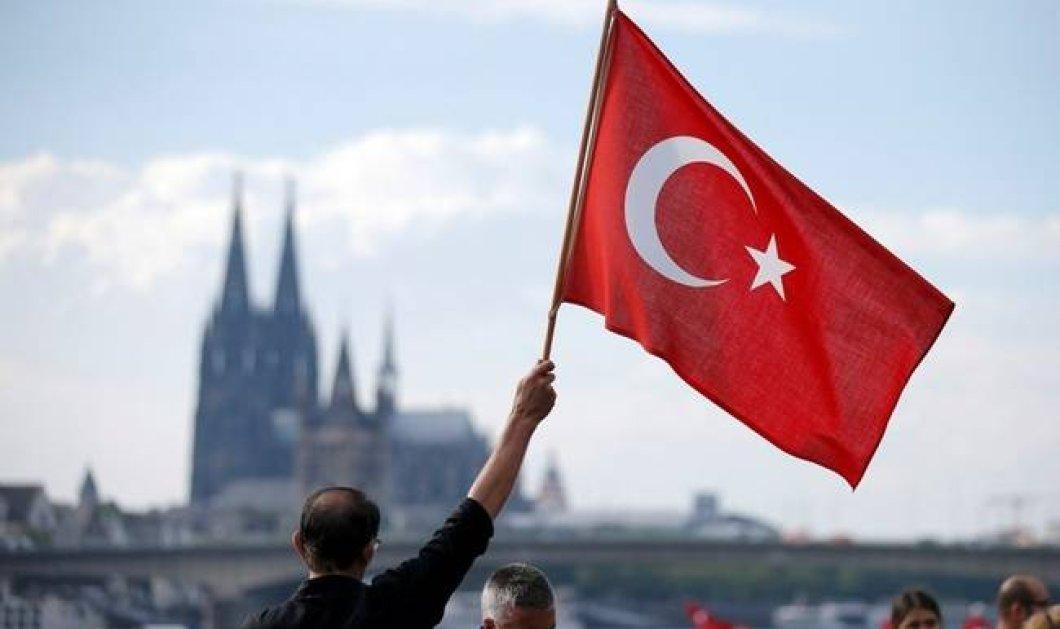 Ο Ερντογάν απέλυσε 27.000 δασκάλους & καθηγητές - Απαγορεύεται να δουλέψουν και σε ιδιωτικά σχολεία - Κυρίως Φωτογραφία - Gallery - Video