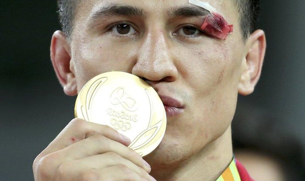 Βίντεο: Ρώσος παλαιστής λιποθύμησε στον αγώνα, συνήλθε και τελικά πήρε το χρυσό μετάλλιο  - Κυρίως Φωτογραφία - Gallery - Video