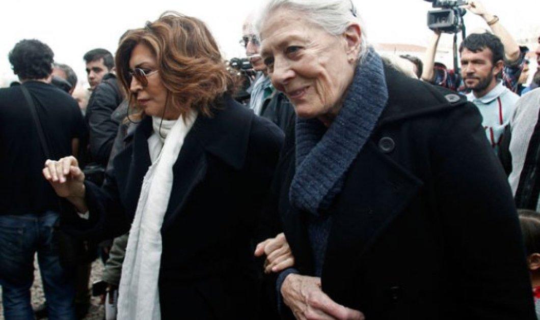 """Το """"Σμύρνη μου αγαπημένη"""" της Μ. Ντενίση γίνεται ταινία: Πρωταγωνιστούν οι Βανέσα Ρεντγκρέιβ και η Ολυμπία Δουκάκη! - Κυρίως Φωτογραφία - Gallery - Video"""