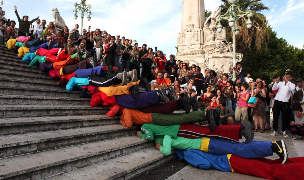 «Dancing Athens» από τη Στέγη: Το ιστορικό κέντρο της Αθήνας μετατρέπεται σε μια τεράστια σκηνή χορού  - Κυρίως Φωτογραφία - Gallery - Video